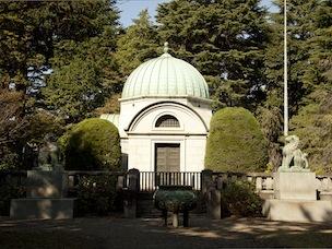 東京都指定歴史的建造物に指定されている霊廟