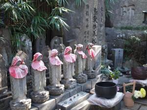 優しい顔のお地蔵さん。地下霊場の石仏も皆、とても表情豊かで、さまざまな表情を拝見するだけでも楽しい