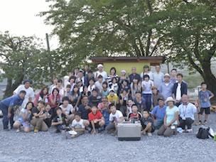 「クラフトマン世田谷」の呼びかけに集まった参加者。若い女性の参加率が高かった