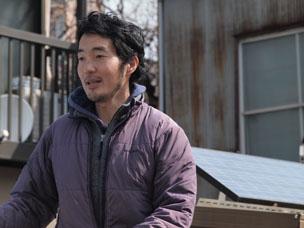 子ども原っぱ大学の代表、塚越暁さん。「子どもと遊ぶって楽しいな」という父親としての気づきが活動の原点