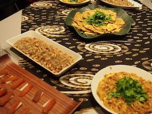 台湾の家庭料理がふるまわれた交流会。食欲をそそる香りです