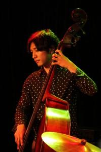 Bass:須長和広