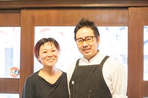 オーナーシェフの鈴木信作さんとは夫婦で二人三脚。ケンカをすることもある、というが、お互いの得意分野でお店を支える