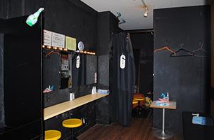 広くゆったりと使える、授乳・オムツ替え室